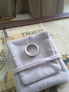 Gucci Silver Ring - size 6