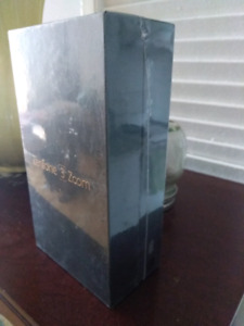 Asus Zenfone 3 unlocked BNIB sealed in box