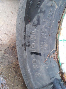 9.50-16.5LT similar to 245/75/16 GoodYear Workhorse 200$ load E