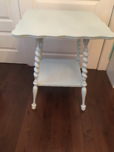 Antique table with spooled legs