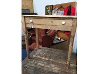 Vintage pine desk - Morris