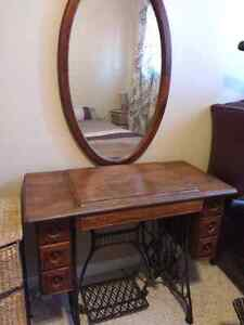 oval mirror and singer sewing machine table