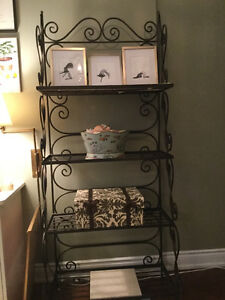 Etagere/Open Shelf