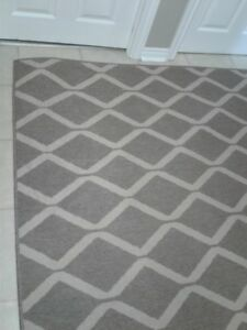 Almost New 7 x 9 Area Rug