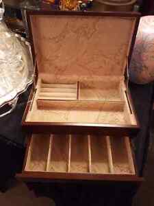 Vintage Bombay Co. Jewellery Box  West Island Greater Montréal image 1