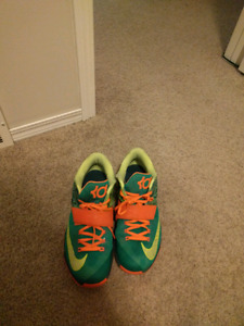 REDUCED BARELY USED KD 7 WEATHERMANS