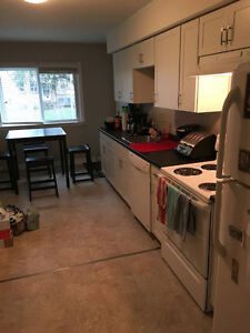 ROOM SUBLET!! London Ontario image 4