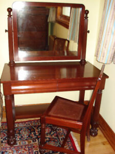 Coiffeuse en acajou massif Vanity Dressing table mahogany