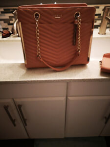 Beautiful Guess purse and wallet