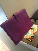 Kobo leather holder, roots 403-617-1538