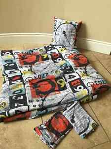 Boys Bedding - Double/Queen set with 2 Shams