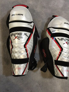 Hockey gear - Bauer Vapor 30 knee shin pads
