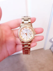 Women Guess watch selling for only $90