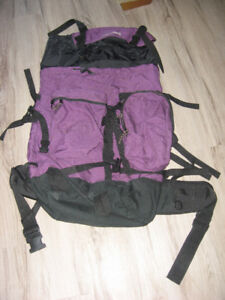 Very Large Hiking / Camping Rucksack/ Travel / Back Pack
