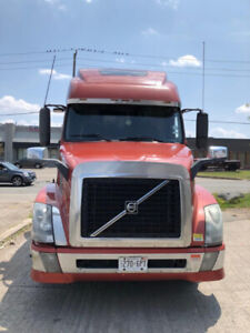 Transport truck for sale. Great condition and great price