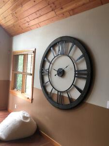 Huge Clock.