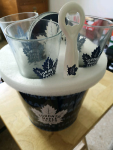 Toronto Maple Leafs 6-Piece Beer set
