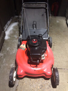 3.5 HP Lawnmower with Tecumseh Engine and bag