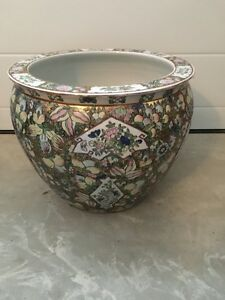 For Sale: Beautiful Large Planter