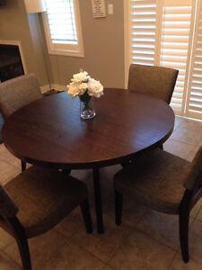 Kitchen Table and 5 Chairs Kawartha Lakes Peterborough Area image 1