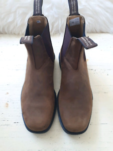 Women's new blundstones