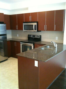 Woodbridge Gates 1 Bedroom + Den Condo Available