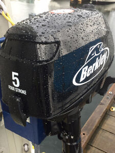 5 HP 4 stroke Berkley Outboard Motor North Shore Greater Vancouver Area image 2