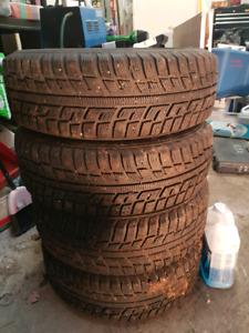 4 pneus d hiver a clou avec rims Volkswagen