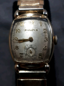 Vintage 1944 Bulova mechanical watch. Montre vintage