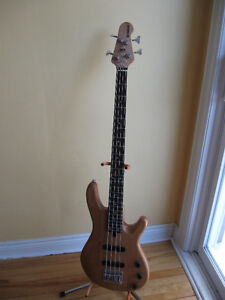 Yamaha BB404 electric bass jazz style j bass $260 no trades