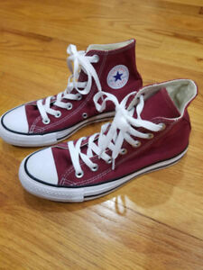 Converse Sneakers Womens Size 6