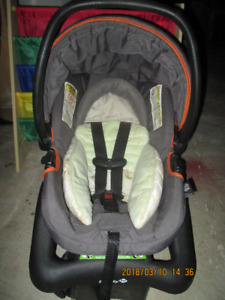 NEW 50$ OBO SAFETY 1ST BABY TREND SNAP&GO FX CARSEAT&CARRIER