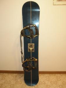 Ride 148 cm Snowboard with Bindings sb