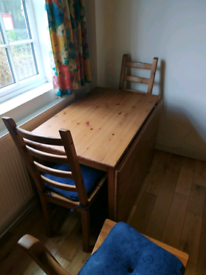 Foldable dining room table & 4 chairs