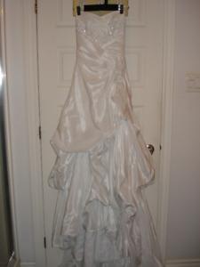 SIZE 0-2 WEDDING DRESS