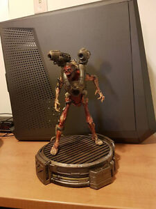 Doom Collectors Edition Statue No damage and works perfectly.