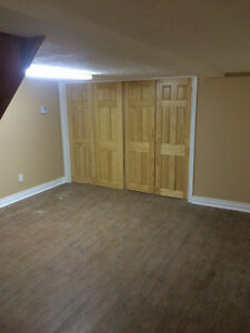 NEWLY RENOVATED, SPACIOUS 4 1/2, 2 FULL FLOORS READY TO MOVE IN