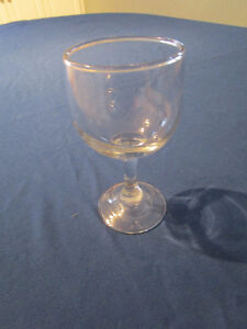 432 WINE GLASSES 6.5 OUNCE MADE BY LIBBY EMBASSY STYLE #3769