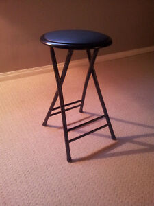 Bar stool for sale and pick-up close to the UofA