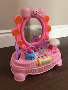 Fisher-Price Laugh and Learn Magical Musical Mirror - English