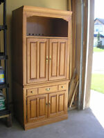 Roxton - TV Cabinet and Hutch / Entertainment