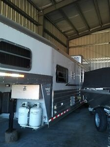 Absolutely New Condition 4 Star Aluminum 29' Four Horse Trailer