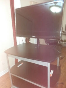 "SAMUSNG 40"" LED TV WITH TV Trolley ALMOST BRAND NEW"