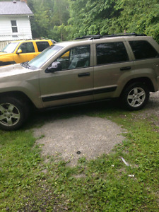 2005 jeep grand Cherokee MUST SEE