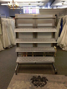 SHELVING UNIT WITH MIRROR