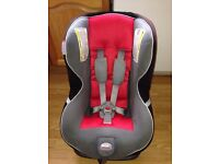 Britax child car seat . Suitable from birth to 4yrs . Excellent clean condition