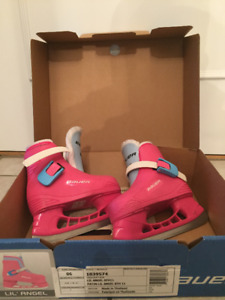 For Sale: Bauer Lil Angel II Girl Ice Skates Size 6-7