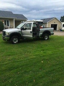 f350 diesel excellent condition, comes with safety !!!