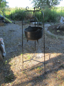 ANTIQUE MINI CAST IRON CAULDRON WITH STAND