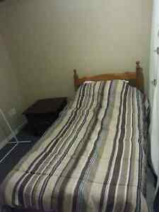 Available immediately Rooms Downtown $350&499/Mth or $30&40/Nt